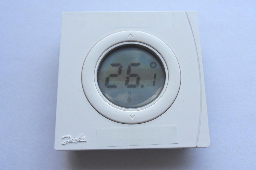 z wave product catalog danfoss rs 014g0160 thermostat. Black Bedroom Furniture Sets. Home Design Ideas